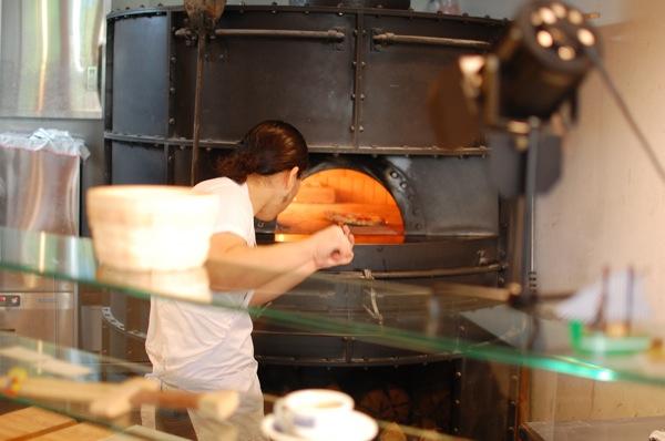 美味しいマルゲリータはいかがですか? フレイズ フェイマス ピッツェリア (FREY's Famous Pizzeria)@六本木
